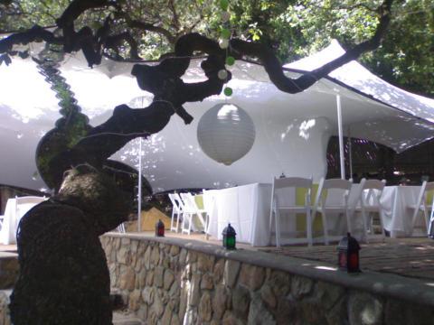 WEDDING 8X9  WHITE