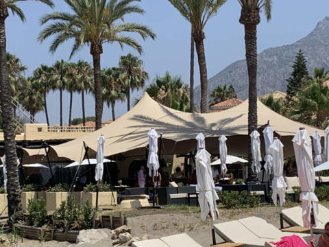 custom-stretch-tent-beach-restaurant-2